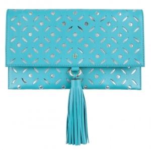 Bolsos clutch troquelado azul de Carolina Herrera