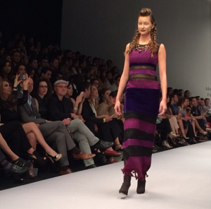 Detalle: Vestido burgundy. Lydia Lavin O/I 2014