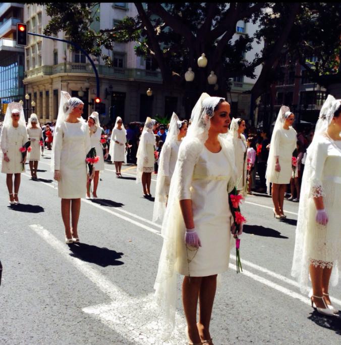 Desfile de Damas de Mantilla. Alicante 2014