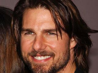 Tom Cruise con cabello largo