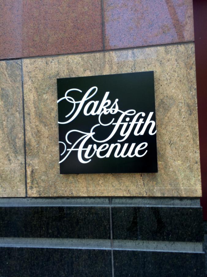Saks Fifth Avenue (700 N Michigan Avenue) - Magnificent Mile