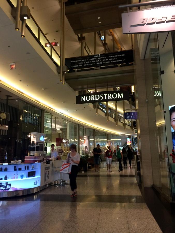 Sephora (Nordstrom Mall Chicago) - Magnificent Mile