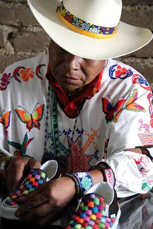 Colaboración VANS Huichol - México