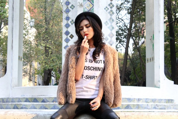 Leather + tshirt + faux fur jacket = informal outfit