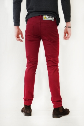 Chinos, cherry color - Men Spring Summer 2015