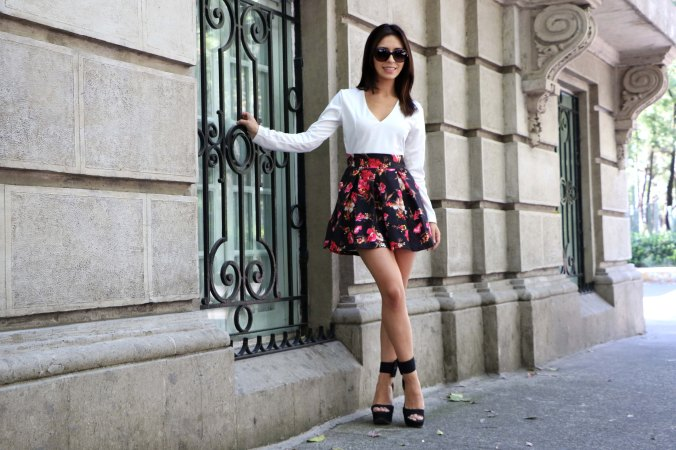 Outfit: Flowered dress for a spring night.