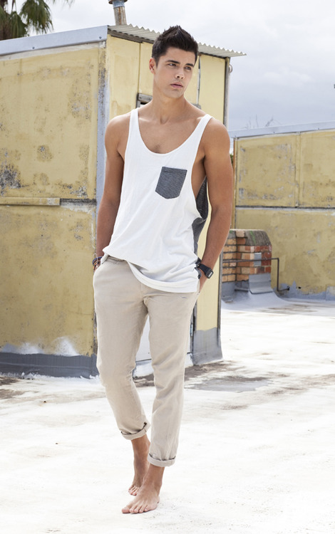 Tank tops. Men fashion mistakes